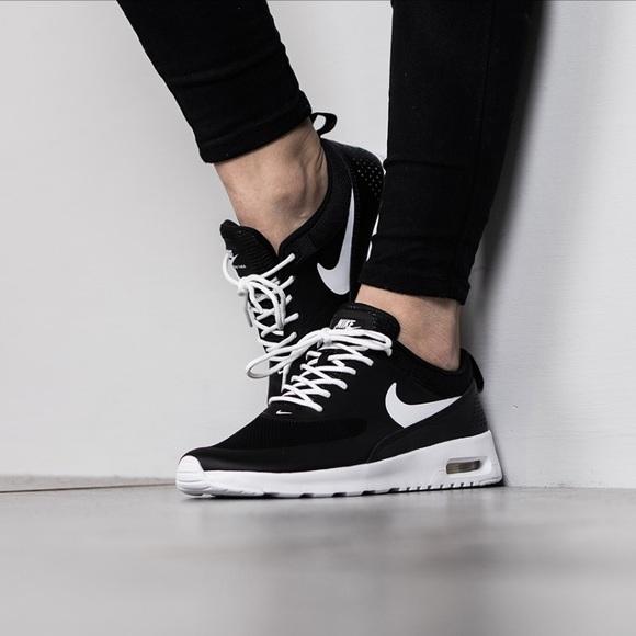 NWT Nike Air Max Thea GS w Black WMNS 2a571de14e440